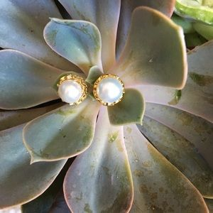 Jewelry - Pearl earrings with faux jackets